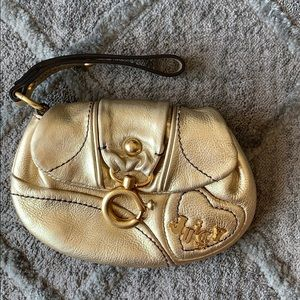 Adorable Juicy Couture Wristlet Gold